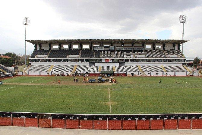 19 Mayıs Stadı Bakıma Alındı