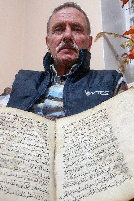 370 Yıllık El Yazması Kitabı Müze'ye Hediye Etti