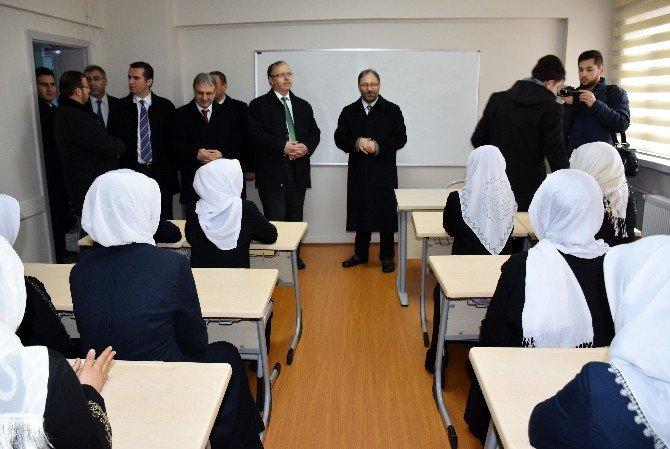Hafız Hasan Akkuş Yatılı Kız Kur'an Kursu Açıldı