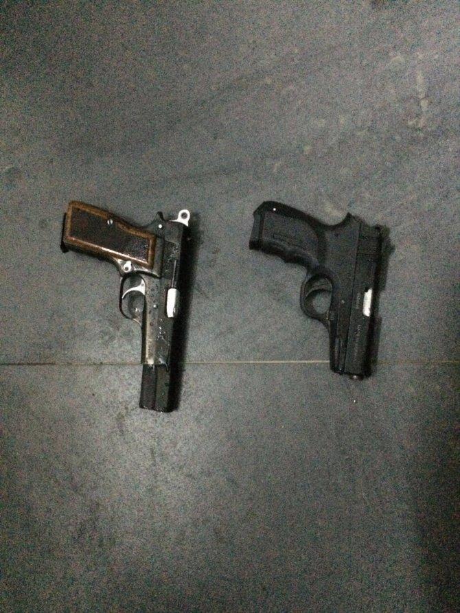 İzmir'de kaçak silah operasyonu