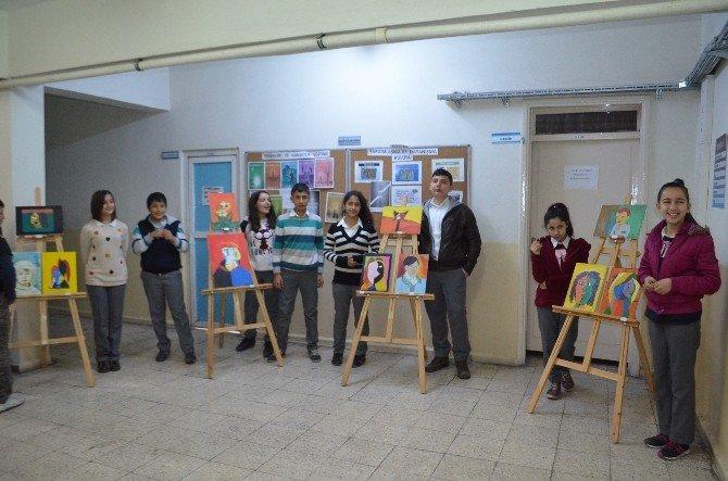 Ortaokul Öğrencileri Eserlerini Sergiledi