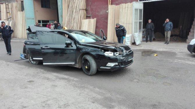 Kaçan sürücü, aracının lastiklerine ateş açılarak durdurulabildi