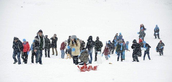 Büyükşehir Belediyesi Engelli Çocukları Karla Buluşturdu