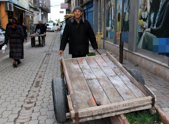 68 Yaşındaki Hamal, Arabasını Sattıktan Sonra Mesleği Bırakacak