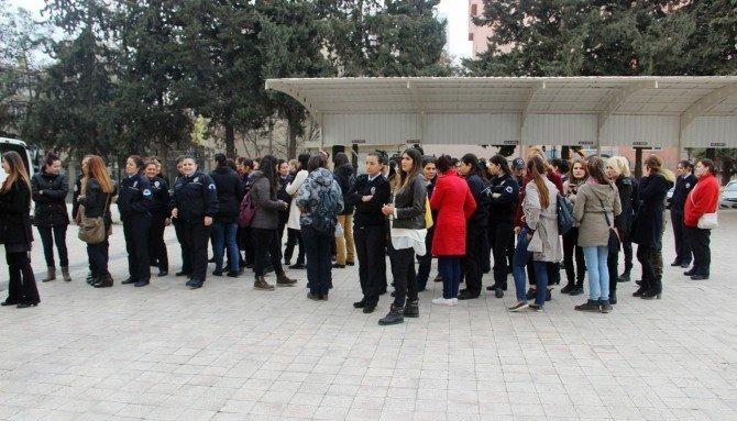 Polis Eşleri Çatışma Bölgesindeki Polislere Yemek Gönderdi