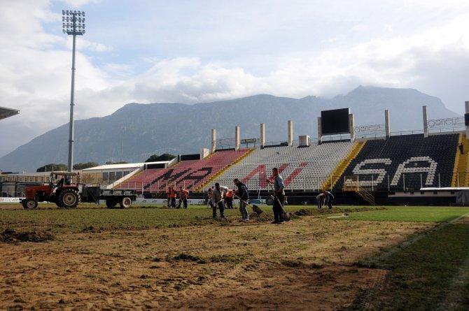Üç takıma ev sahipliği yapan Manisa 19 Mayıs Stadı bakıma alındı