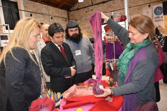Urla Sanat Fuarı Açıldı