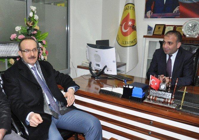 Muş Valisi Yavuz, Gazeteciler Cemiyeti'ni Ziyaret Etti