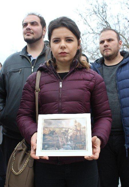AK Parti'li Gençler Atatürk Portresi Dağıttı