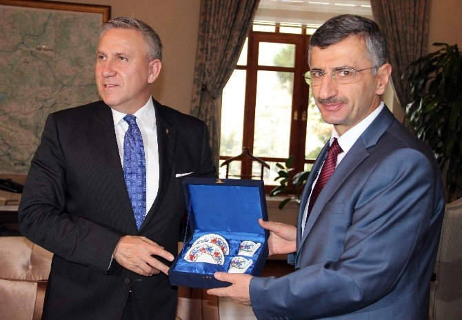 Macaristan Büyükelçisinden Manisa'ya Kardeşlik Teklifi