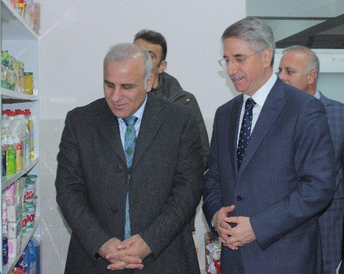 Elazığ Belediyesi 'Hayır Çarşısı' Açıldı