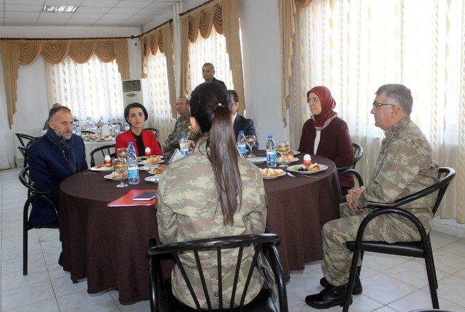 Bakan Ramazanoğlu, Askerlerle Buluştu