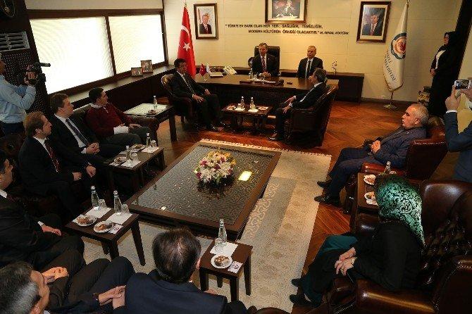 AK Partili Özdağ'dan Büyükşehir Belediyesi'ne Ziyaret