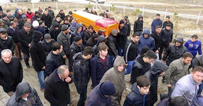 Okulda Öldürülen Liseli Kız Toprağa Verildi
