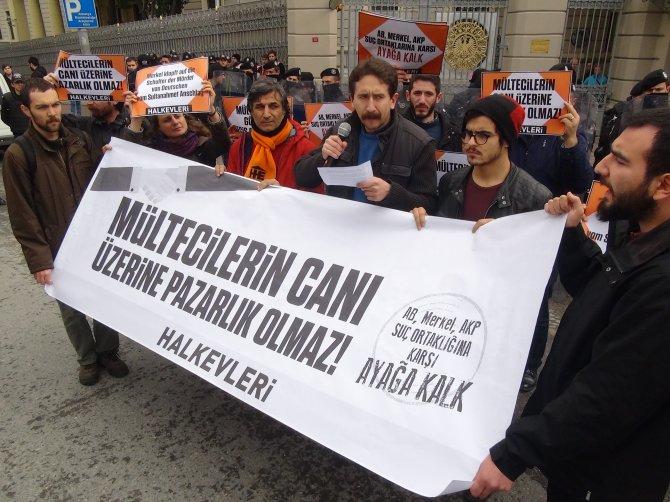Almanya Başkonsolosluğu önünde mülteci eylemi