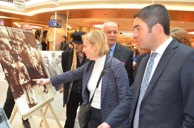 AVM'de Atatürk Sergisi Açıldı