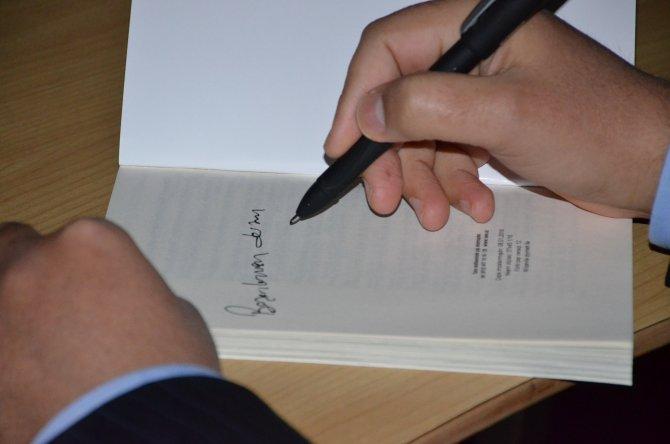 Türk pedagog Şentürk'ün yeni kitabi Azerbaycan'da ilgi gördü