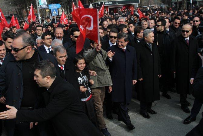 Davutoğlu, Erzincan'ın düşman işgalinden kurtuluş programına katıldı