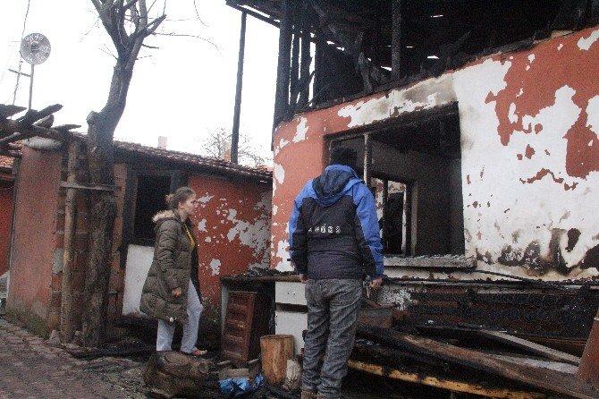 Bolu'da Evleri Yanan Aileler Yardım Bekliyor