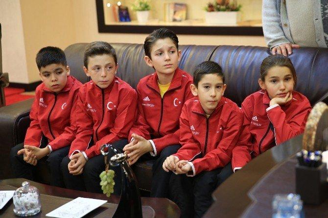 Piriştina Genç Yetenekleri 'Şampiyonluğa' Uğurladı