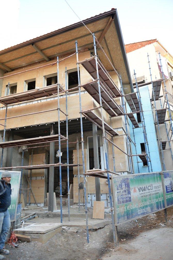 Üzerine bina yapılan Yörükler Mescidi yeniden yapılıyor