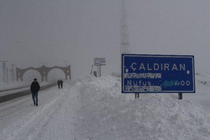 Çaldıran'da Zorlu Kış, Hayatı Olumsuz Etkiliyor