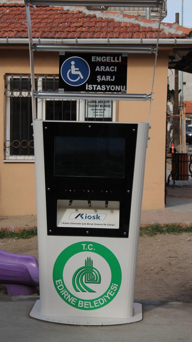 Edirne'de tahrip edilen engelli şarj istasyonu tamir edildi
