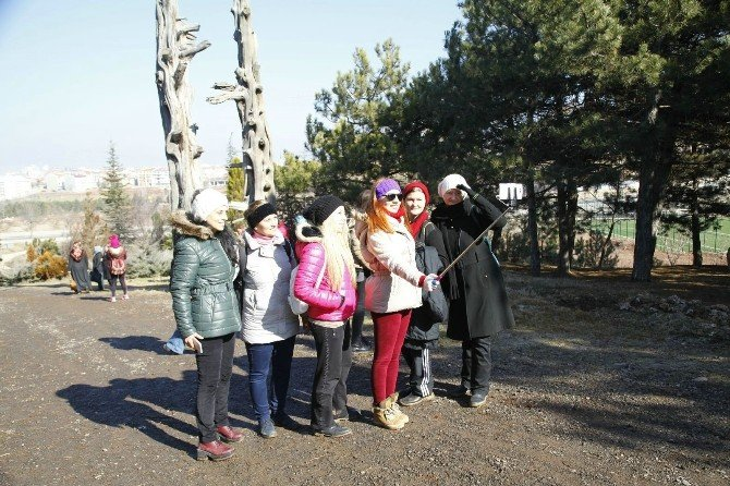 Halk Merkezi Kursiyerleri Doğa Yürüyüşünde Buluştu