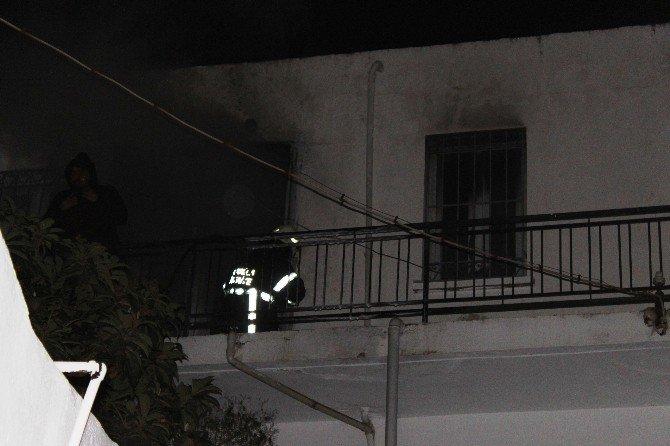 Bir Ev Yangında Küle Döndü