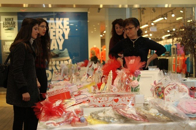 Gaziemir'de Sevgililere En Özel Armağan
