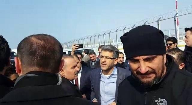 Aracının VIP Otoparkına Alınmadığını İleri Süren HDP'li Vekil İle Polis Arasında Tartışma