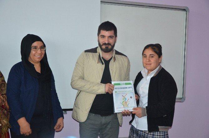 Kahta'da Okuyan Kızlara Eğitim Desteği