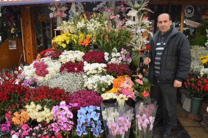 Çiçekçilerde Sevgililer Günü Bereketi