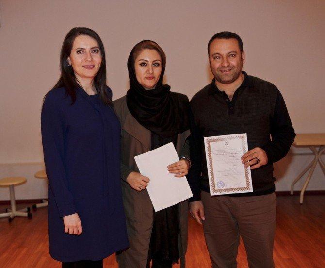Maltepe'de Farsça Kursunu Tamamlayan Öğrencilere, İran'a Gönderilme Müjdesi