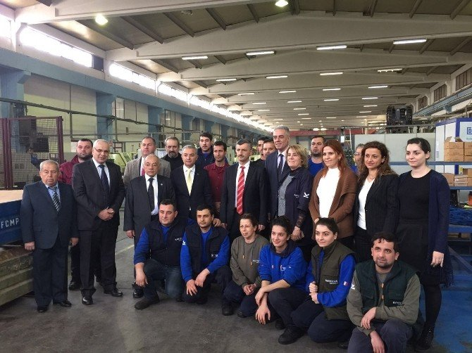 Vali Bektaş, Turgutlu OSB'de İncelemelerde Bulundu