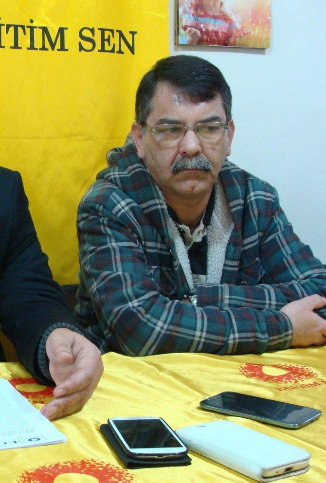 Mahkeme, öğretmen Erhun Yalçın'ın memuriyetten çıkarılma cezasını durdurdu