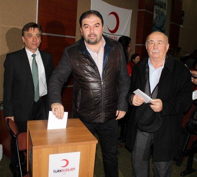 Salihli Kızılay'da Türkoğlu Güven Tazeledi