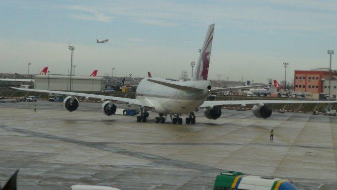 THY uçağı, Katar Emiri'nin uçağına sürttü