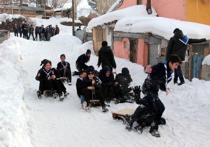 Erzurumlu İzciler Kış Kampı'nda