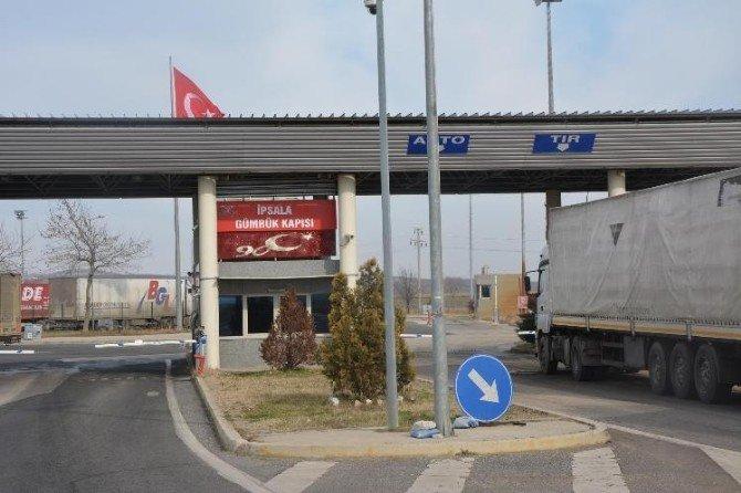 İpsala Sınır Kapısı Geçemeyen Tır'lar Kapıkule Sınır Kapısı'na Yöneldi