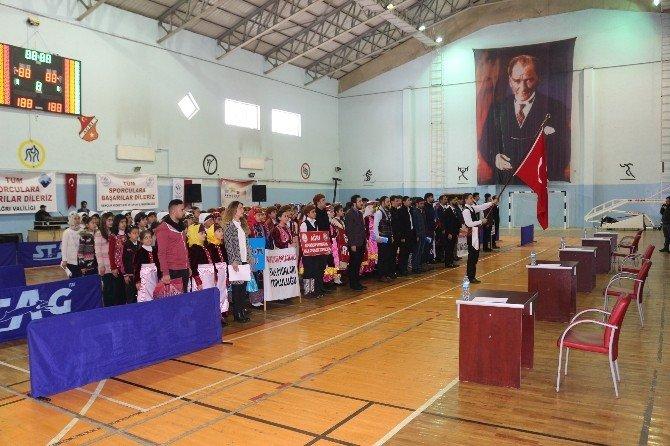 Ağrı'da Halk Oyunları Yarışmasında Karadeniz Fırtanası