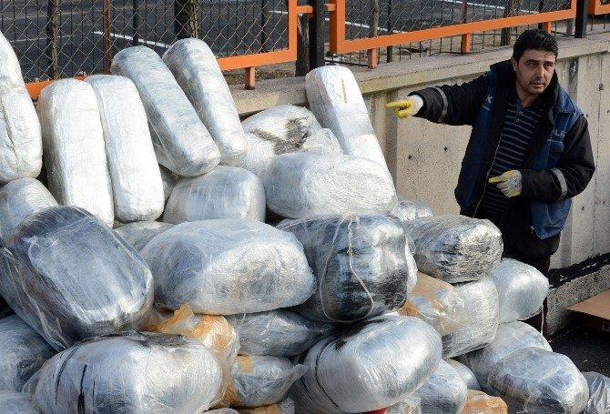Kargo Tır'ında Bin 50 Kilo Esrar Çıktı