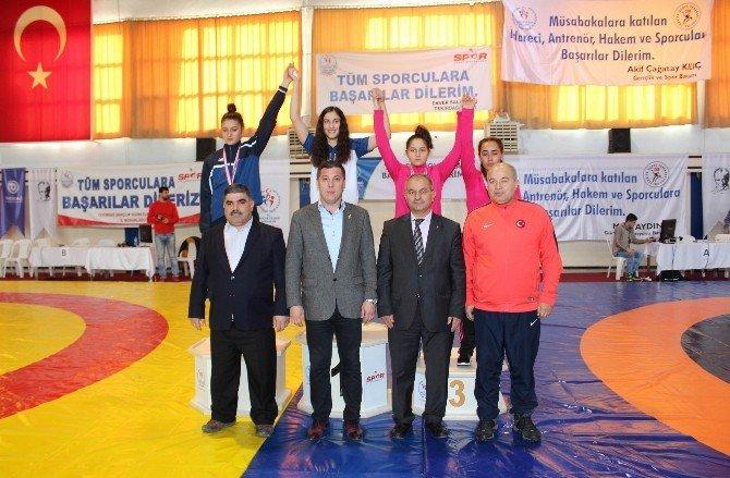 Genç Bayanlar Türkiye Güreş Şampiyonası Nefesleri Kesti