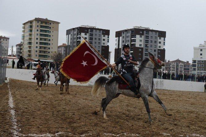 Uşak Belediyesi Atlı Spor Cirit Turnuvası Başladı