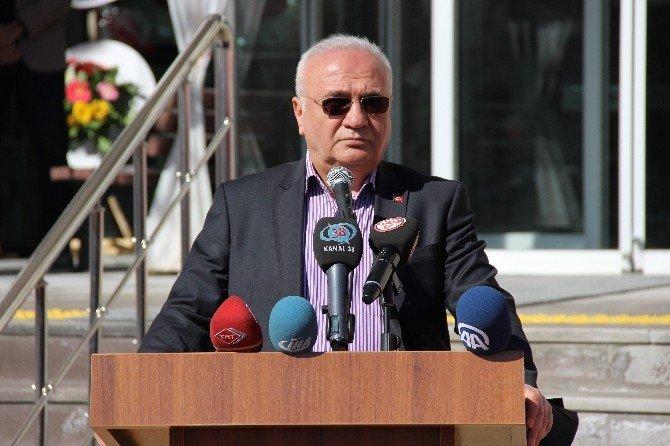 """Bakan Elitaş: """"Türkler'in Sarsılmayan Temeli Adalet Olmuştur"""""""