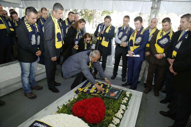 1907 Fenerbahçe Derneği Kurucu Başkanı Mustafa V. Koç'un kabrine ziyaret