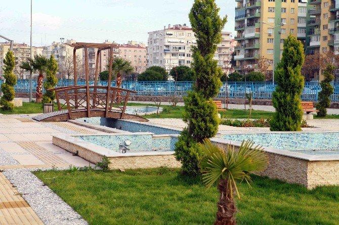 Bayraklı'daki İhsan Alyanak Parkı Genişletildi