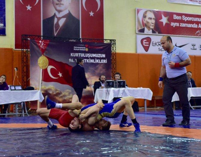 Uluslararası Kurtuluş Güreş Turnuvası sona erdi