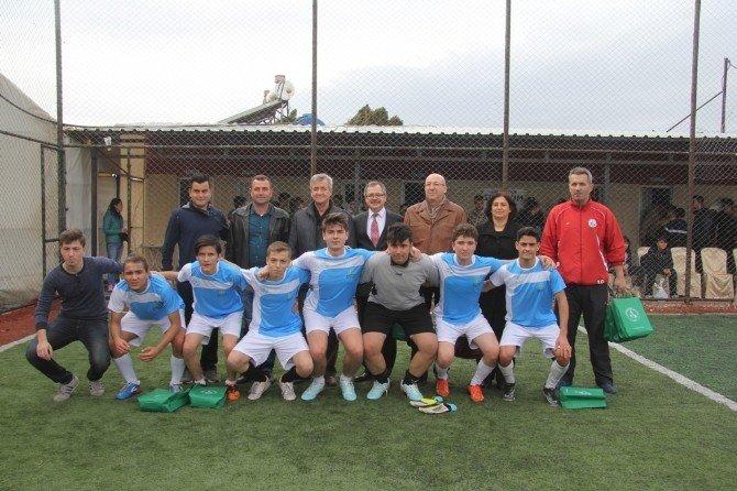 Burhaniye'de Futbol Coşkusu