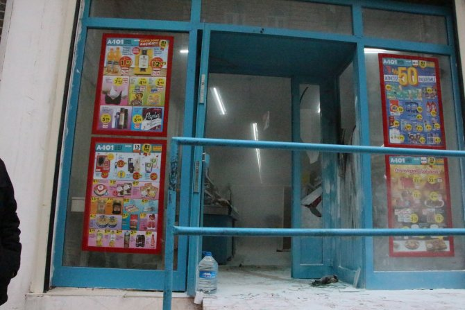Nusaybin'de müşteri dolu markete molotofkokteyli saldırısı